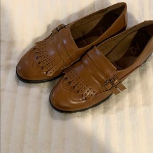 A2 by Aerosols Tan Loafers Size 6
